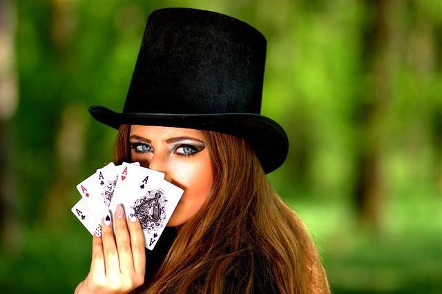 imparare a giocare a poker