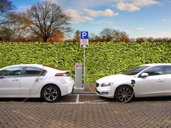 auto elettriche pericolose incidente
